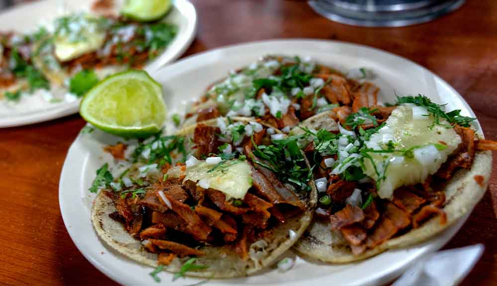 A plate of tacos from Tacos El Gordo