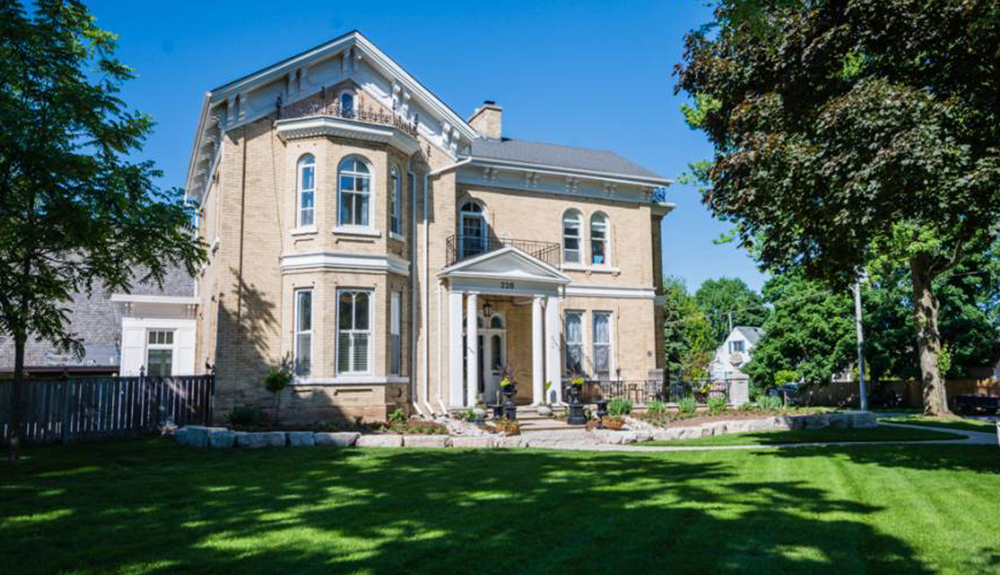 Hughson Hall bed and breakfast in Stratford Ontario