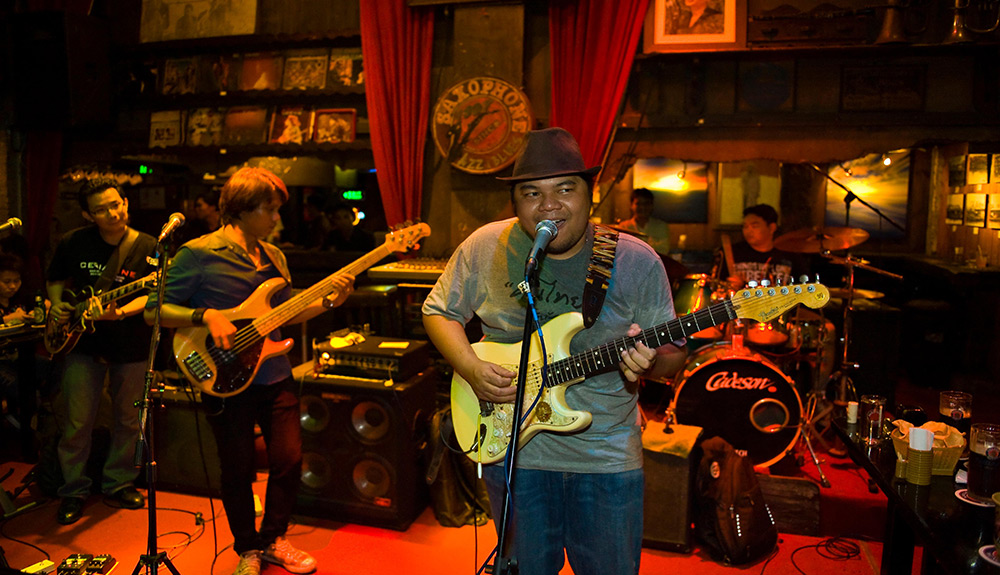 Live music at Saxophone Pub in Bangkok