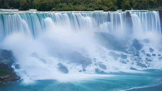 Niagara Falls in the summer time