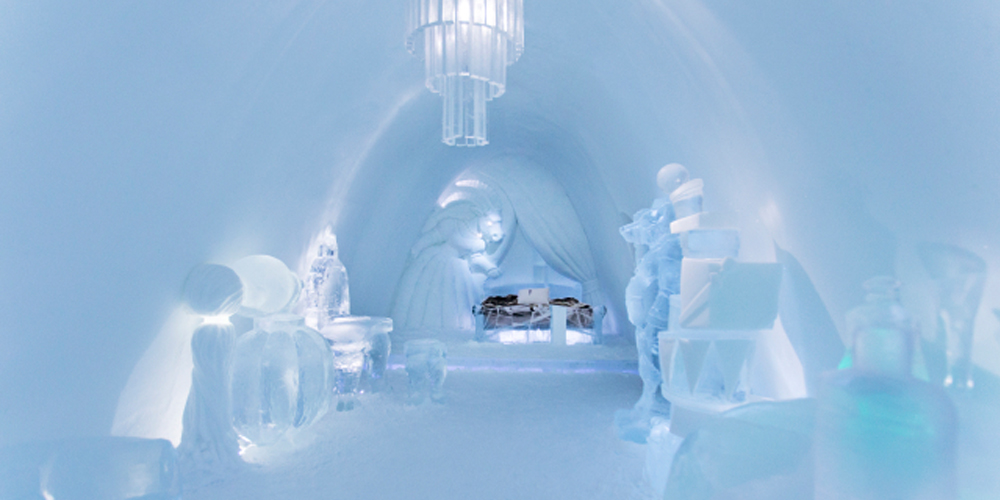 Room in ice hotel